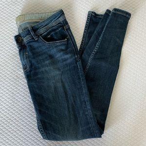 Zara Basic Skinny Jeans • size 6